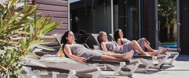 slide-sauna-buitenbad-top-alivio.jpg